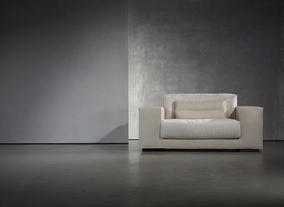 DIEKE Fauteuil by Piet Boon | Armchairs