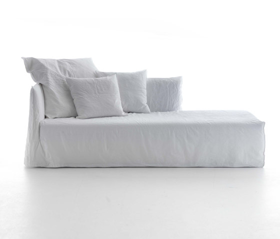 Ghost 20 L-R by Gervasoni | Chaise longues