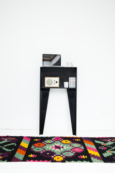 H 1001 Standby by Hansen | High desks