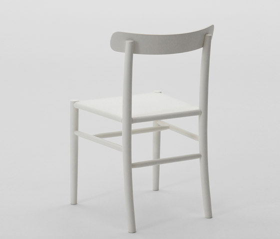 Lightwood Armless Chair (Mesh Seat) von MARUNI | Restaurantstühle