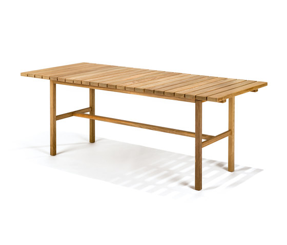 Djurö large dining table de Skargaarden | Tables de repas