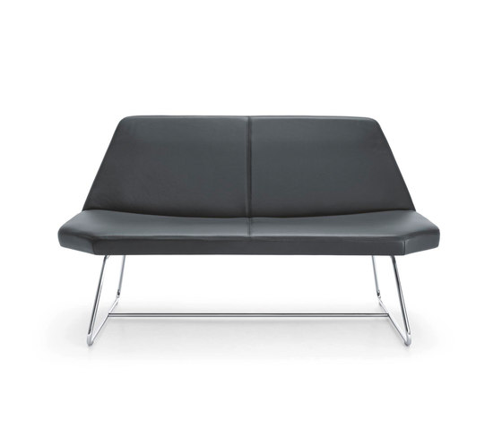 OTTO Lounge Chair by Girsberger | Sofas