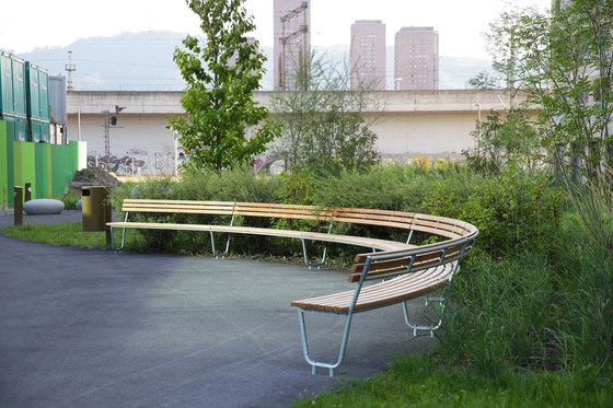 Landi Round Bench special by BURRI | Exterior benches