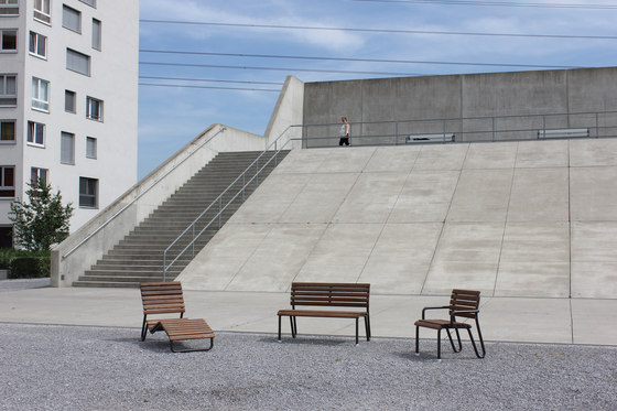 Vivax Chair by BURRI | Chairs