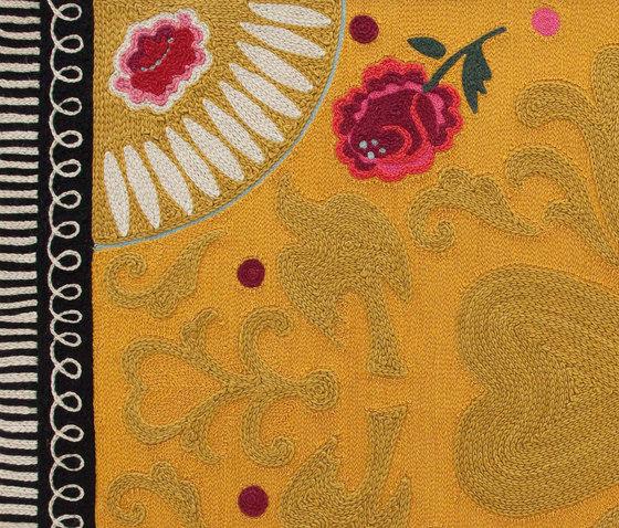 Goyescas Rug Yellow 1 von GAN | Formatteppiche / Designerteppiche