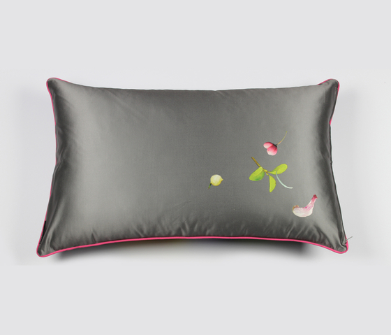 CUSHION COVER ROSE - 1072 by Création Baumann | Cushions