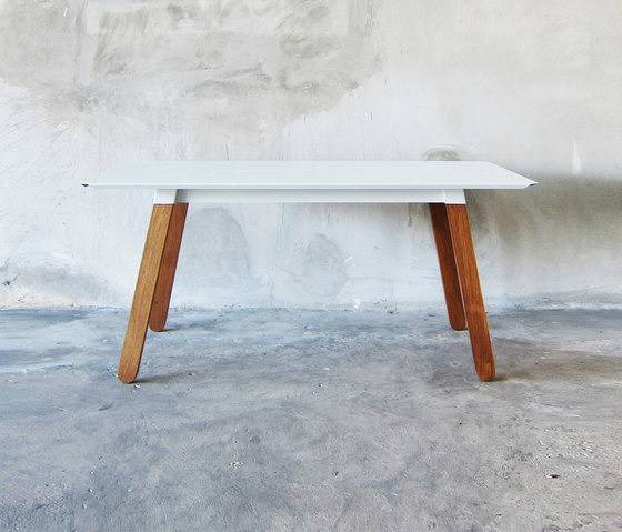 SIM STEEL Table by TAKEHOMEDESIGN | Dining tables
