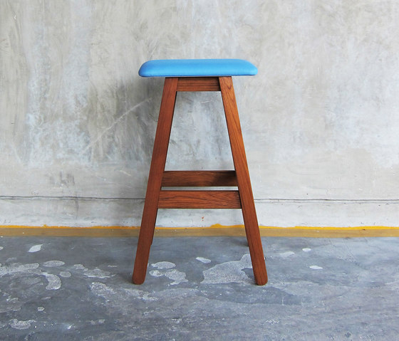 SIM Bar Stool von TAKEHOMEDESIGN | Barhocker