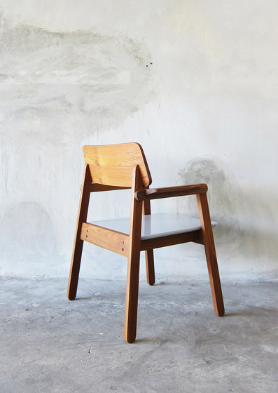 SIM Armchair by TAKEHOMEDESIGN | Chairs