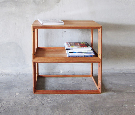 FRAME Shelf/Side table von TAKEHOMEDESIGN | Beistelltische