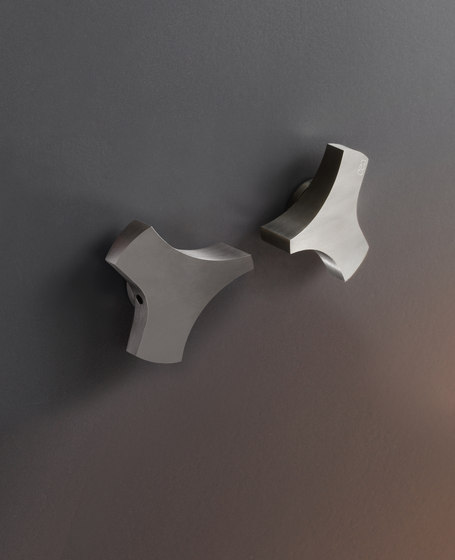 Ziqq ZIQ25 by CEADESIGN | Bathroom taps accessories