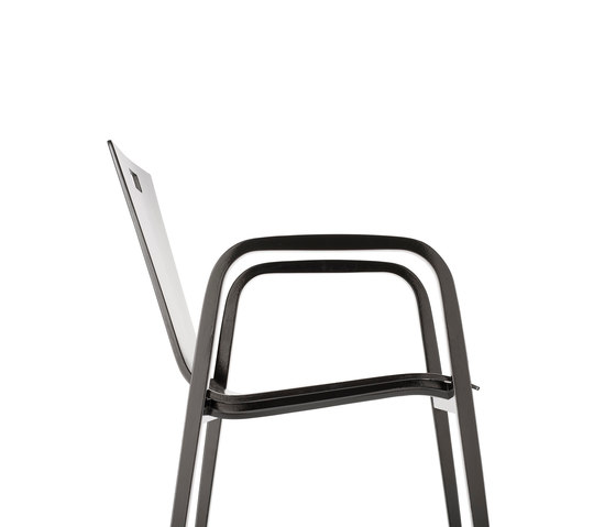Krischanitz Kollektion bentwood no. 04 contract chair by rosconi | Restaurant chairs