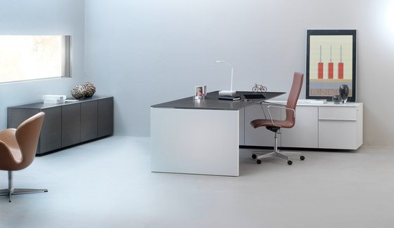 direction-m by planmöbel | Executive desks