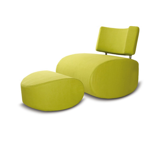 Apollo chair with pouf di Softline A/S | Poltrone