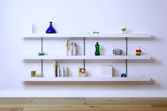 Made to Measure Shelving de ON&ON | Baldas / estantes de pared