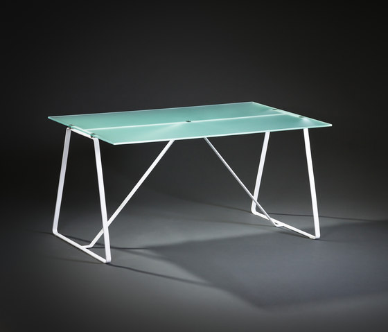 Foton table by Delivié | Dining tables