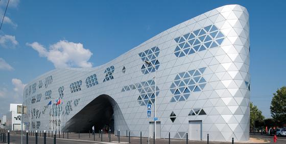 ALUCOBOND® anodized look | C0/EV1 | facade de 3A Composites | Sistemas de fachadas