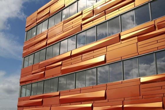 alucobond spectra sparkling cupral 913 facade facade design from 3a composites. Black Bedroom Furniture Sets. Home Design Ideas