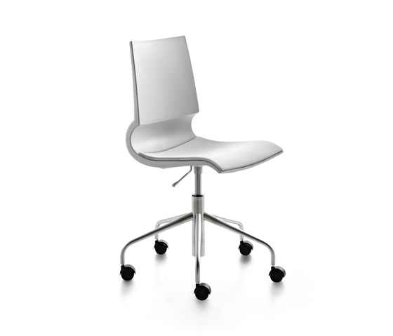 Ricciolina swivel base with wheels and gas lift with seat cushion de Maxdesign | Sillas de oficina