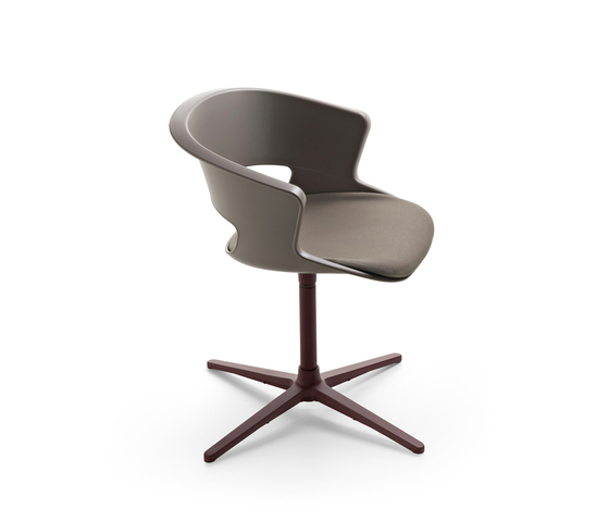 Zed swivel base in polypropylene with seat cushion (Z910) by Maxdesign | Visitors chairs / Side chairs
