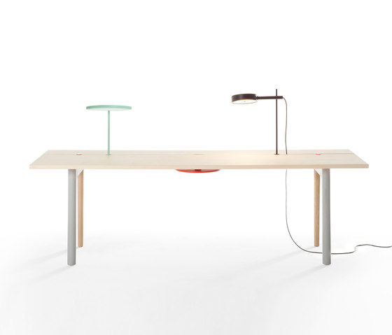 Offset Table by Maxdesign | Individual desks
