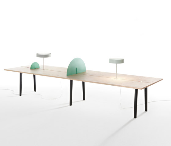 Offset Table by Maxdesign | Desking systems