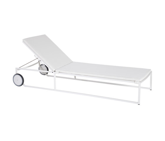 Japan sun bed by Point   Sun loungers