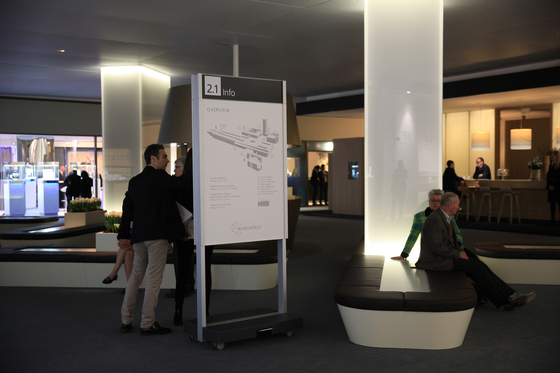 Signage System Messe Basel by BURRI – Mobile indoor F4 twin-sided stele by BURRI | Media displays