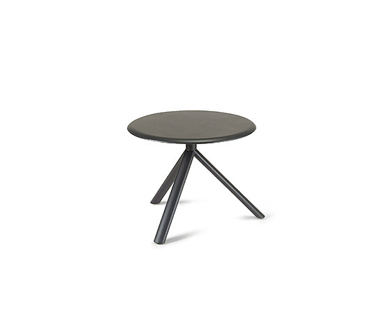 Miura round coffee table by Plank | Side tables