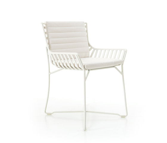 Hamptons Graphics 9751 chair by Roberti Rattan | Garden chairs