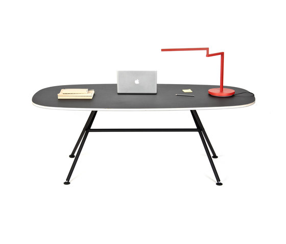 High Table Oval by OBJEKTEN | Dining tables