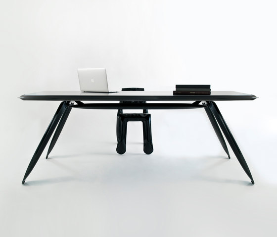 Carbon Table | black by Zieta | Individual desks