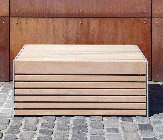 Versio corpus 100 Stoolbench, seat SMALL by Westeifel Werke | Exterior benches
