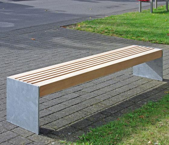 Versio levis 50 Stoolbench, seat SMALL by Westeifel Werke | Exterior benches