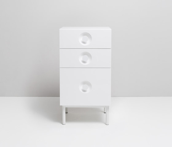 ELLA. Cabinet von Miior | Waschtischunterschränke