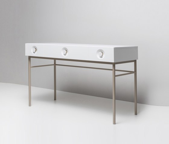 ELLA. Dressing Table by Miior | Dressing tables