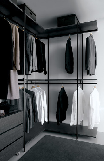 Slide SL01 by Extendo | Walk-in wardrobes