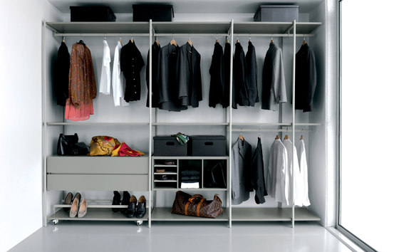 Slide SL03 by Extendo | Walk-in wardrobes