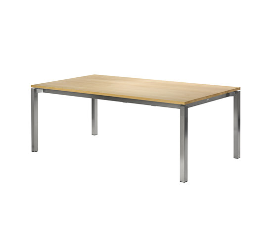 Modena front slide extension table di Fischer Möbel | Tavoli pranzo