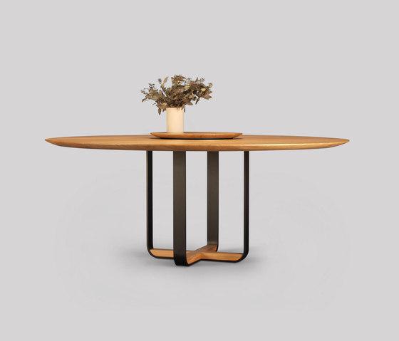 piedmont round dining table de Skram | Tables de repas