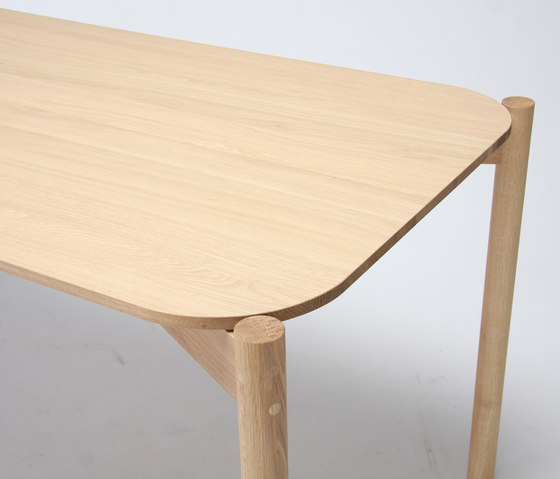Castor Table 150 by Karimoku New Standard | Dining tables