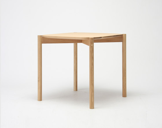 Castor Table 75 by Karimoku New Standard | Dining tables