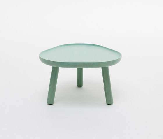 Soft Triangle by Karimoku New Standard | Side tables