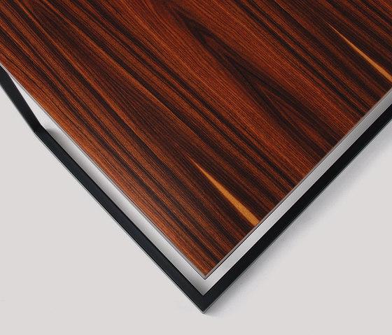 wishbone slab top desk de Skram | Bureaux