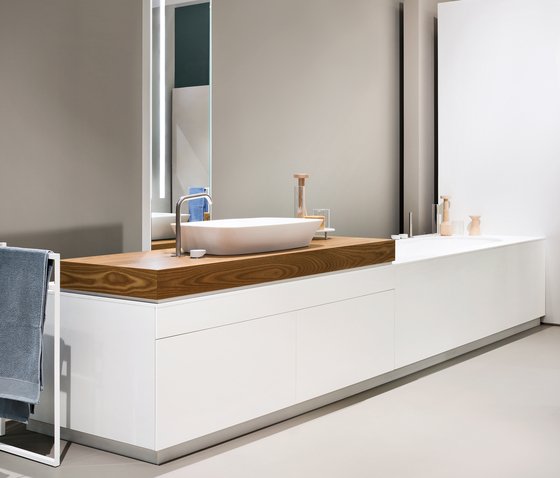 Nordic by MAKRO | Built-in bathtubs