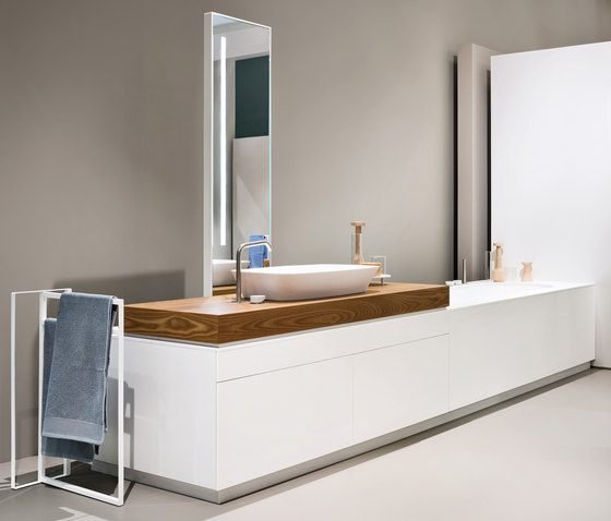 Makro Systems linear bath|wash basin|shower by MAKRO | Bathtubs oval