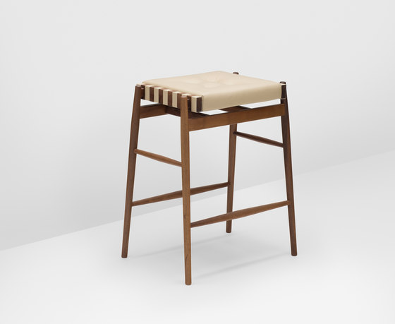Norse bar stool de H Furniture | Tabourets de bar