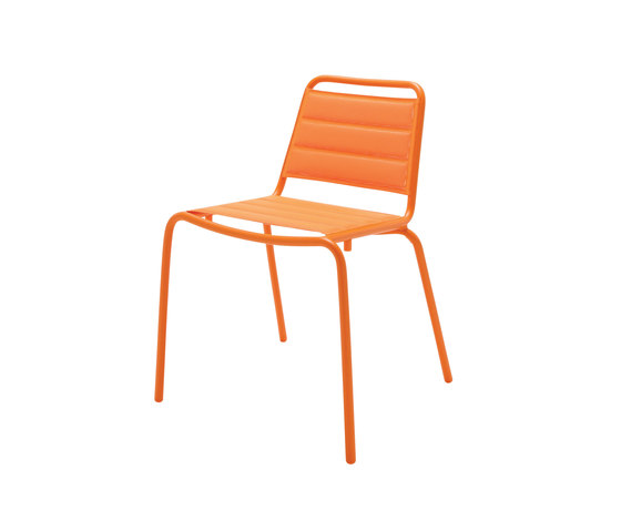 Nomad Padded Sling Stacking Chair di Gloster Furniture GmbH | Sedie da giardino