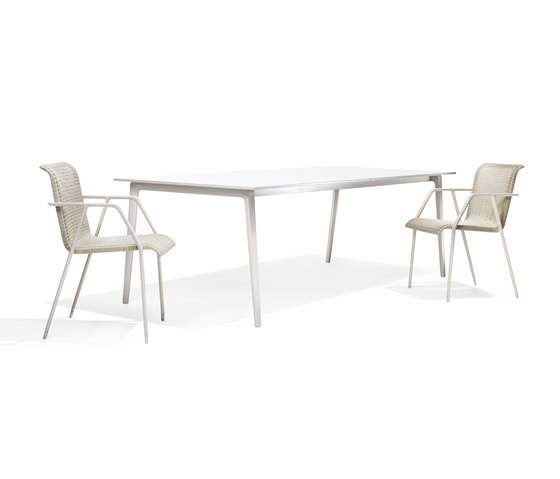 WA Dining table by DEDON | Dining tables