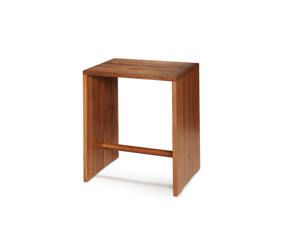 Bill | Ulmer Stool Walnut de wb form ag | Mesillas de noche